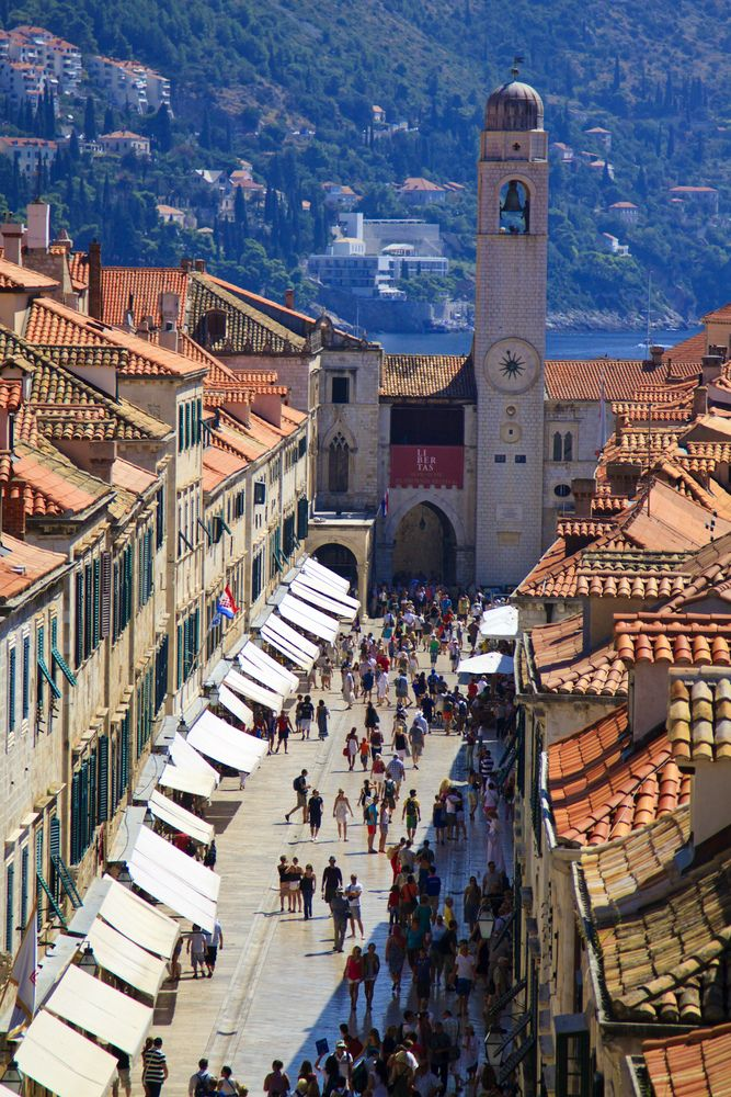Old Town In Dubrovnik Dubrovnik Old Town Croatia Travel Places To Travel