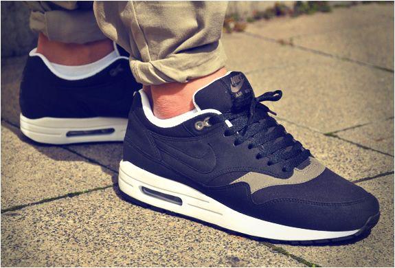 Nike Air Max 1 'Black Smoke' – Sweetsoles – Sneakers, kicks