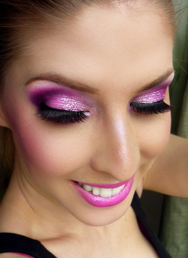 pink smokey eye makeup for sparkling eyes full face. Black Bedroom Furniture Sets. Home Design Ideas