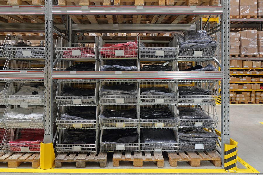 Used Warehouse Pallet Racking And Shelving Racks In Michigan Srs Shelving Rack Systems In 2020 Warehouse Pallet Racking Shelving Racks Pallet Rack