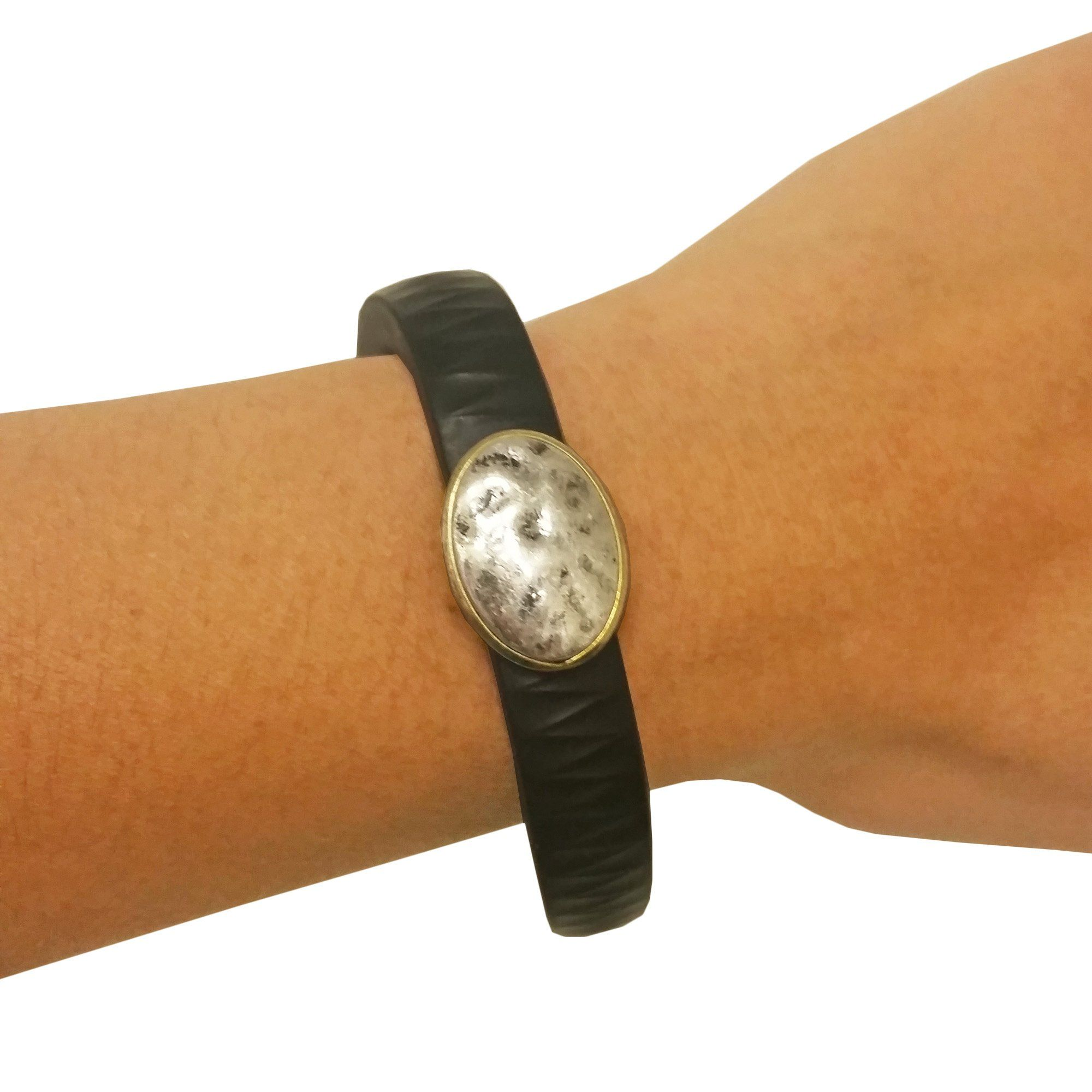 Charm to accessorize the fitbit flex and jawbone up fitness