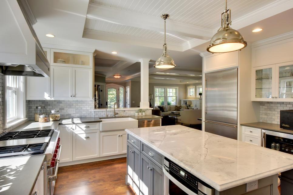 Open Concept Kitchen S Floor Plan Makes Entertaining A Breeze Open Concept Kitchen Kitchen Remodel Layout Kitchen Floor Plans