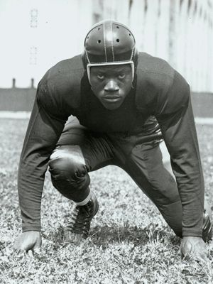 Bill Willis. Ohio States First African American Player | Ohio state  buckeyes football, Ohio state football, Buckeyes football