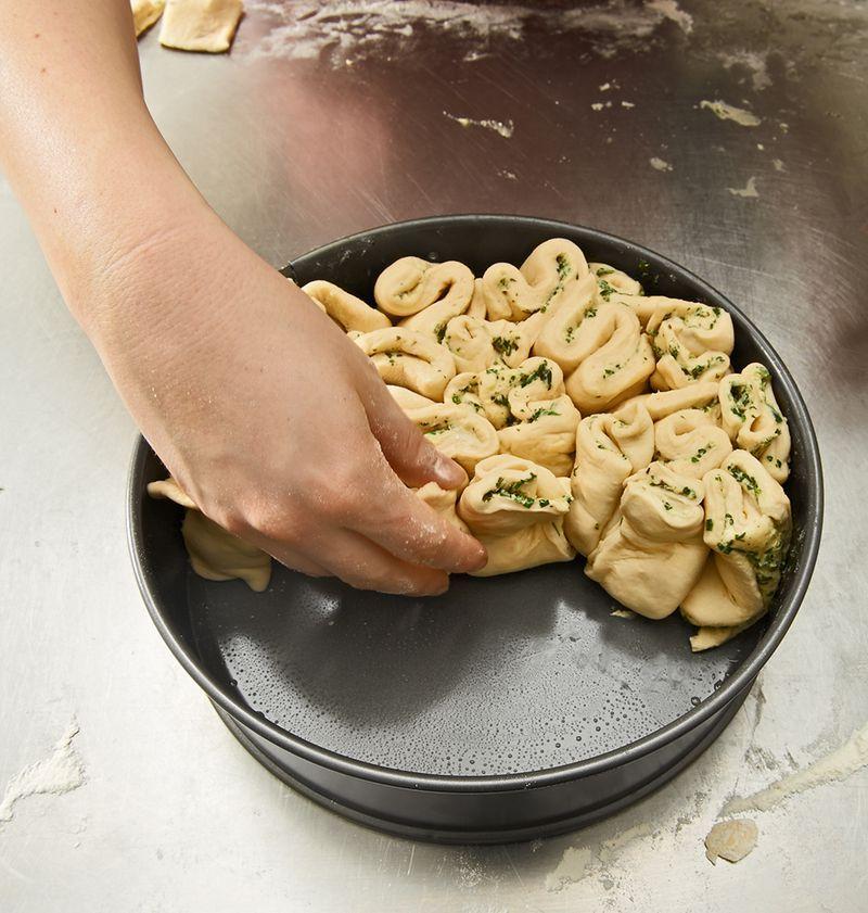 Kräuter-Zupfbrot in der Springform von Elektroelefant | Chefkoch