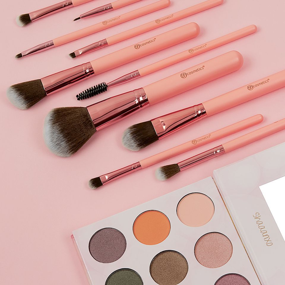 aa582bac60ffd BH Cosmetics Pretty In Pink Brush Set and  ShaaanXOPalette   MarbleMakeupBrushes