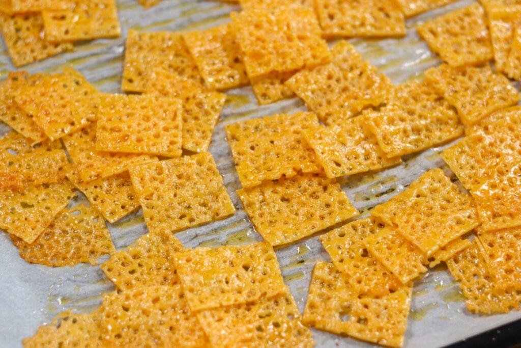 Easy Keto Cheese Crackers Recipe Recipe Cracker Recipes Cheese Cracker Recipe Keto Cheese