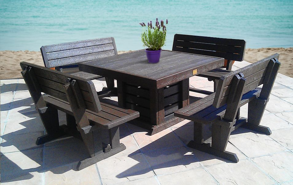 Stylish And Convenient Plastic Outdoor Furniture In 2020 Plastic