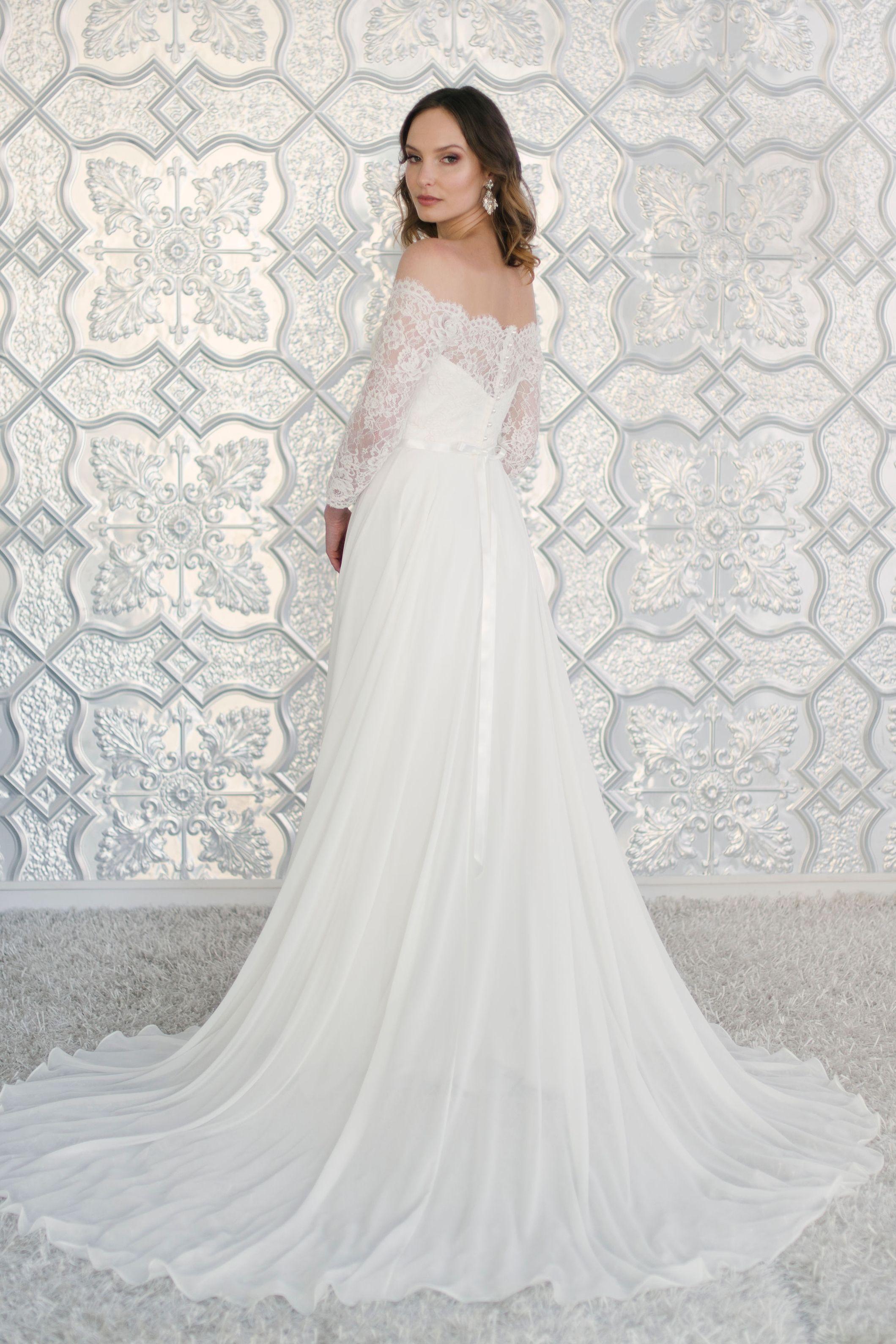 Carlie // Wendy Makin Bridal Designs // Ready to Wear