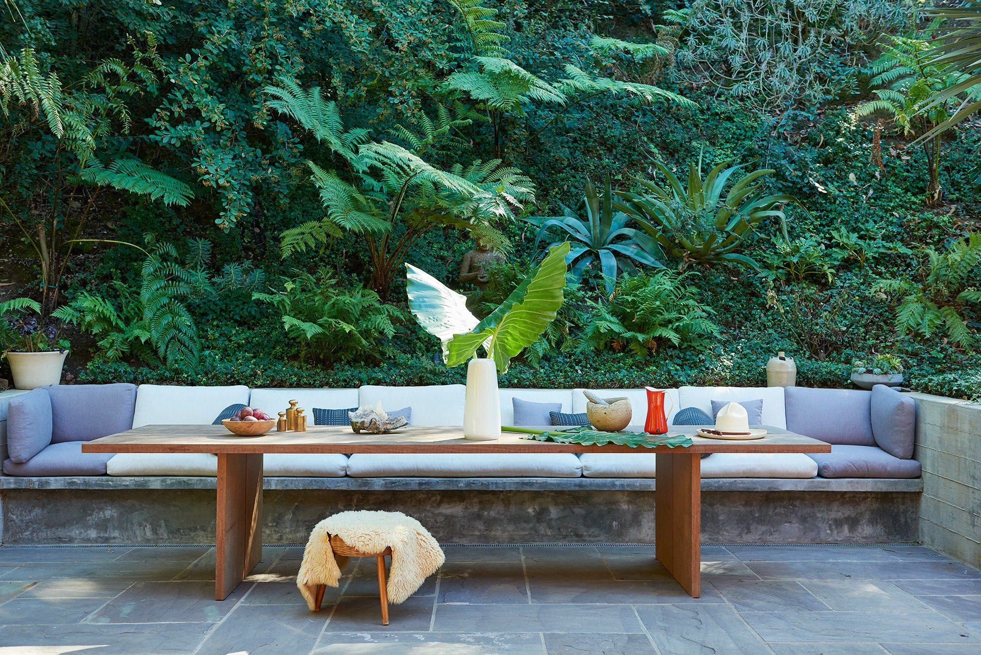 A Look At Amanda Chantal Bacon S Home Home Outdoor Gardens