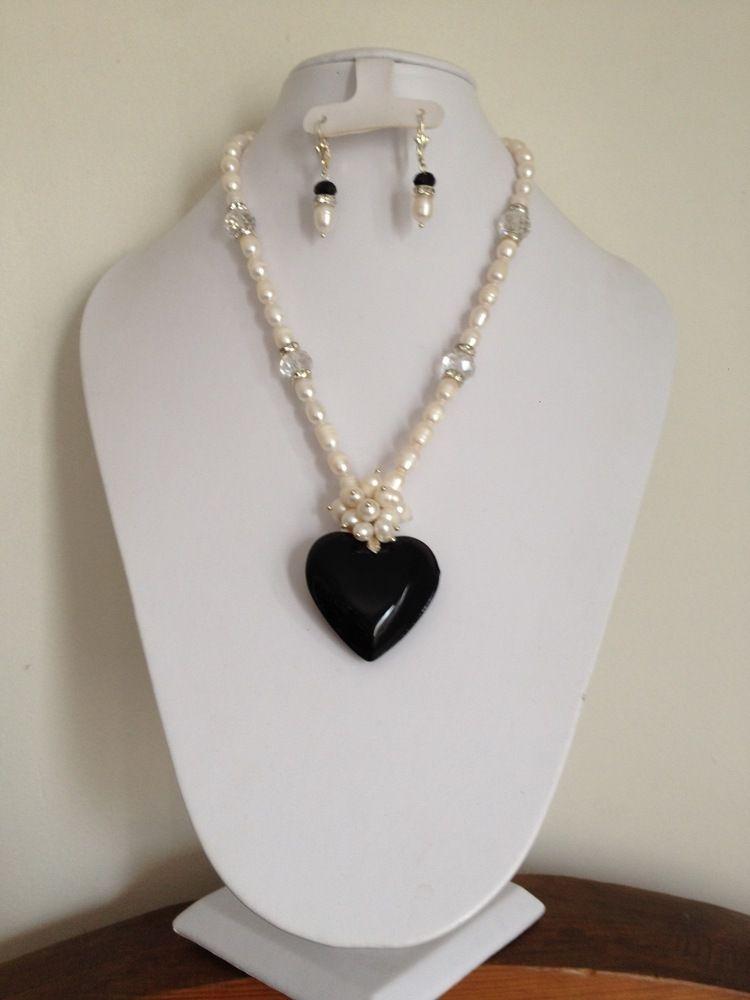 3eaedc4afe53 Collar con perlas de rio