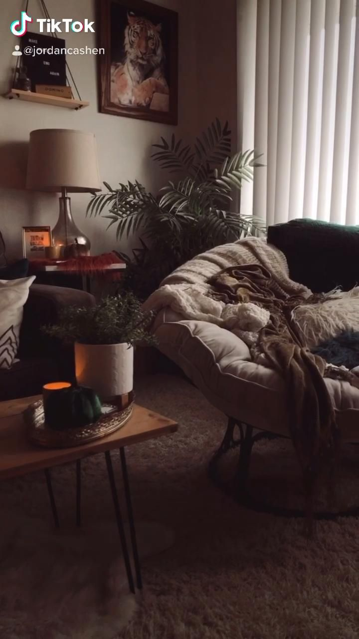 cozy afternoons at home 🍂☁️ •• #cozylivingroom #rainyday #eclectichome #thriftedhomedecor #bohodecor #slowliving