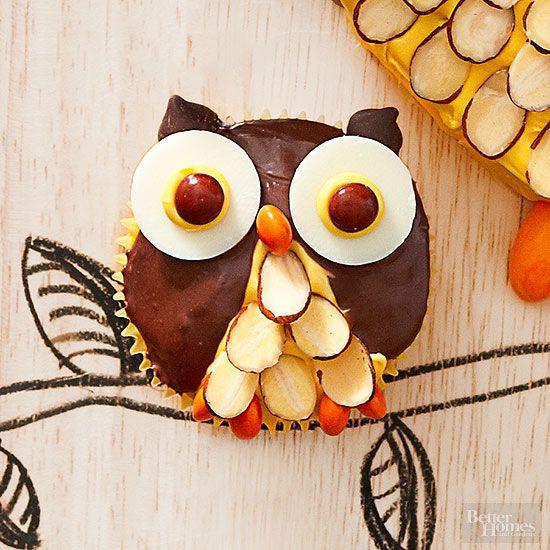 Guffins per Halloween! Ricetta per muffin a forma di gufo con scaglie di  mandorle 39778163918f