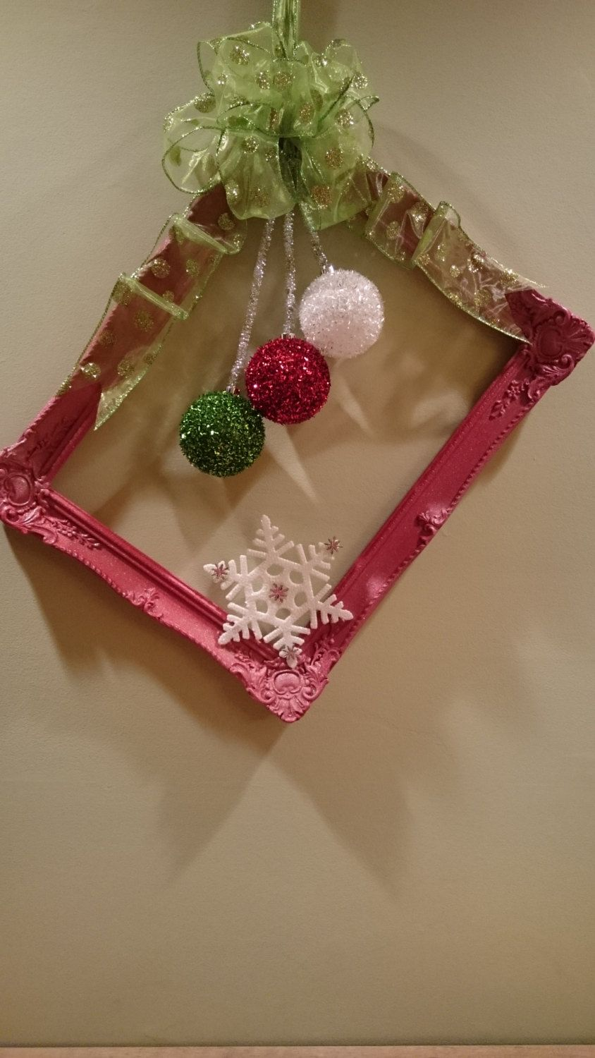 Christmas picture frame wreath, door wreath, Christmas wreath, red wreath, holiday wreath, by KaterinaKatka on Etsy