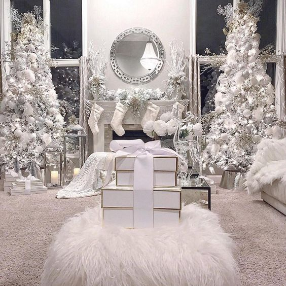 100 White Christmas Decor Ideas Which are Effortlessly Elegant & Luxurious - Hike n Dip