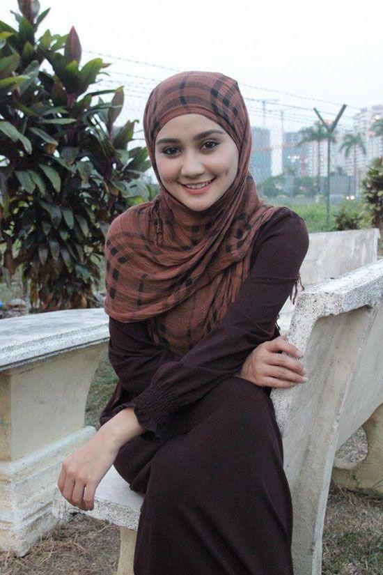 Foto Wawa Zainal | Pelakon AjiNohMoto Yang Berlesung Pipit | Selebriti, Wanita, Beautiful