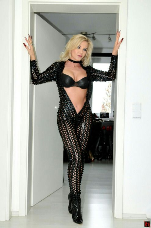 Milf sexy outfit