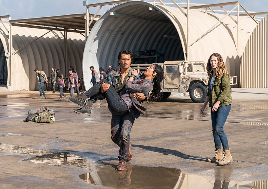 Travis Luciana And Alicia Fear The Walking Dead Season 3 Photos Fear The Walking Fear The Walking Dead Walking Dead Season