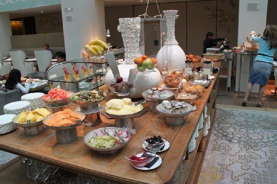Buffet hotel mandarin barcelona buscar con google breakfast pinterest buffet - Hotel mandarin restaurante ...