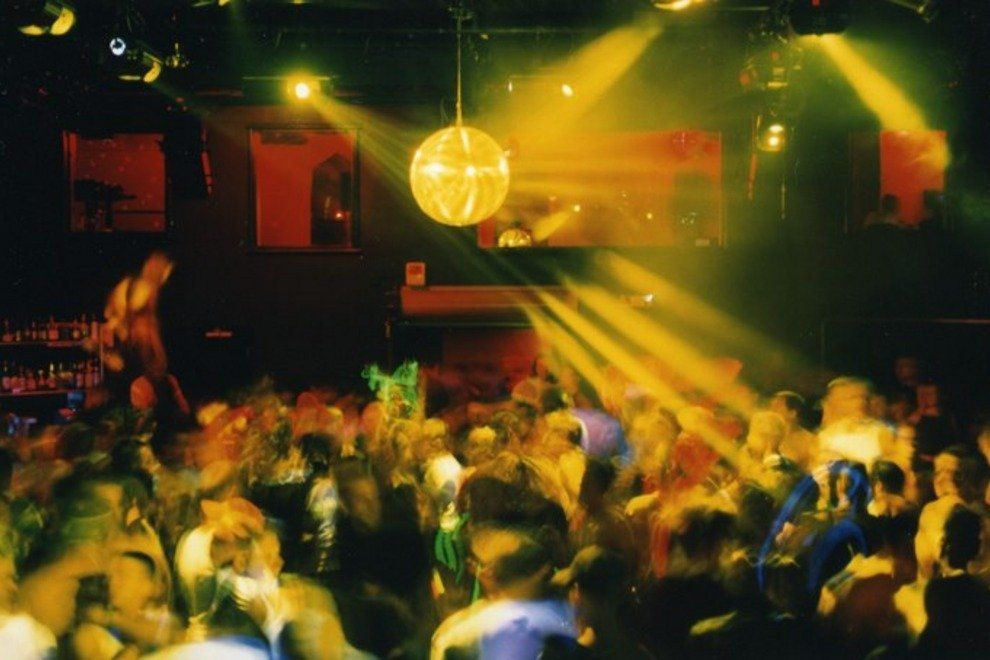 Shake Like An Earthquake At The Best San Francisco Night Clubs San Francisco At Night Dance Clubs Night Club