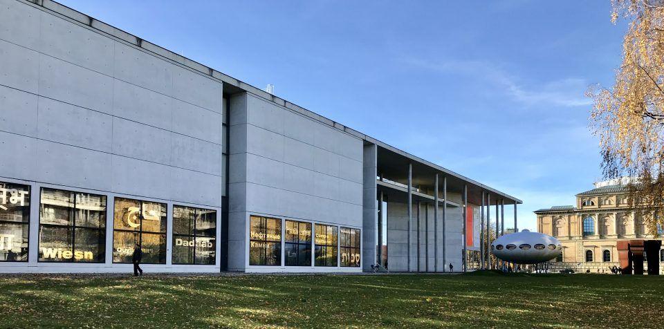 die pinakothek der moderne in munchen beherbergt nicht eines sondern vier museen von architektur uber design modern malerei bilder kunst art kaufen