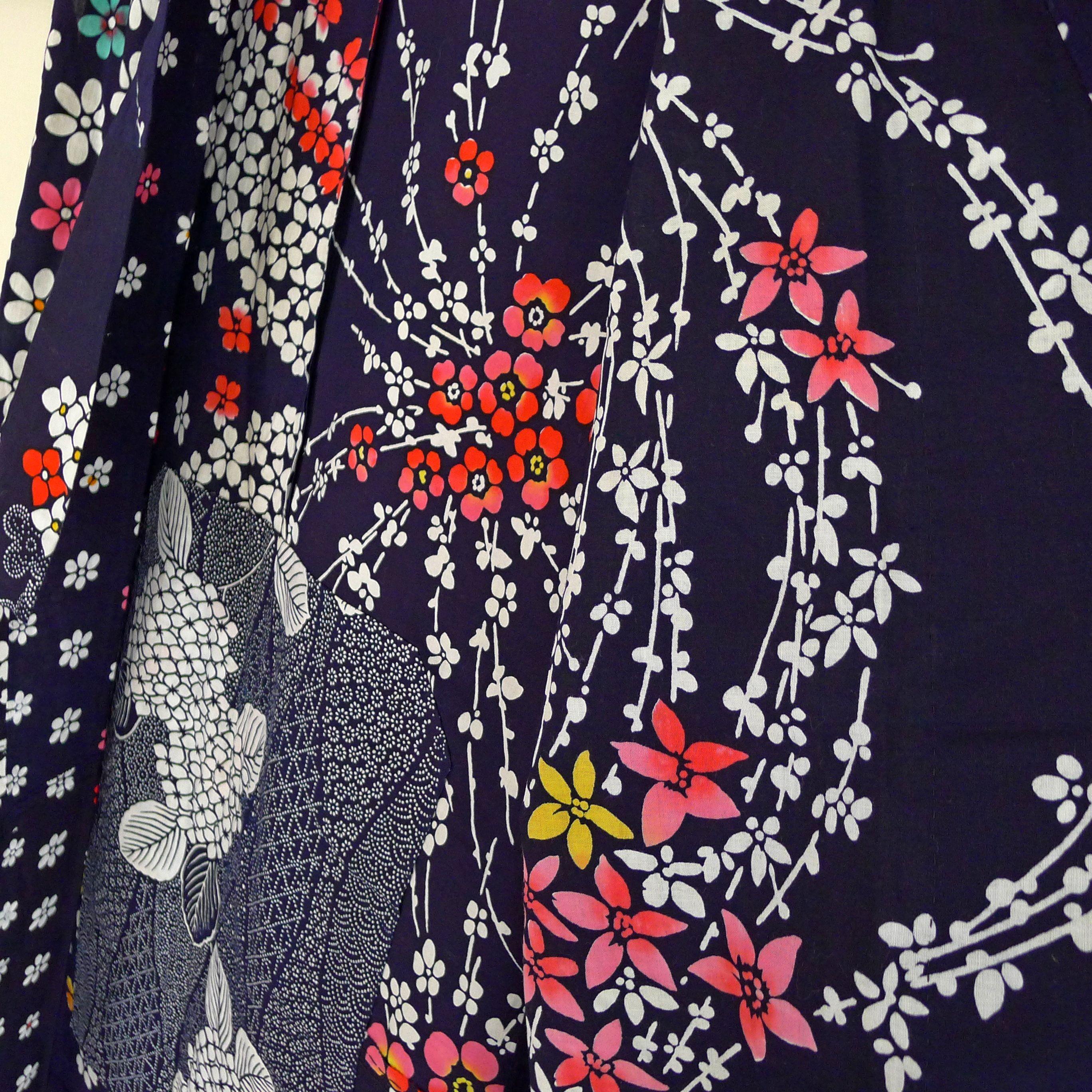 Floral Yukata for women Japanese kimono robe, bath robe