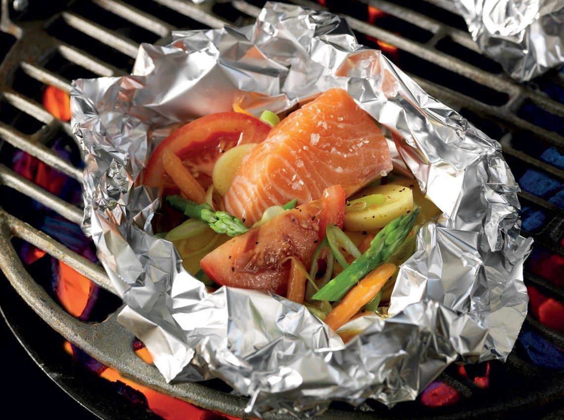 Lohinyytit uusilla perunoilla ja vihanneksilla