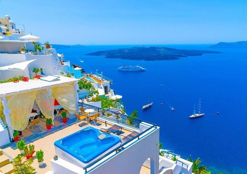superbe #véranda_avec_un_jacuzzi et  belle vue sur la mer