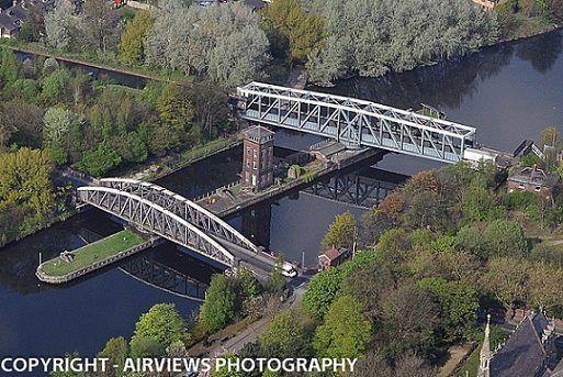 bridge The manchester swinging