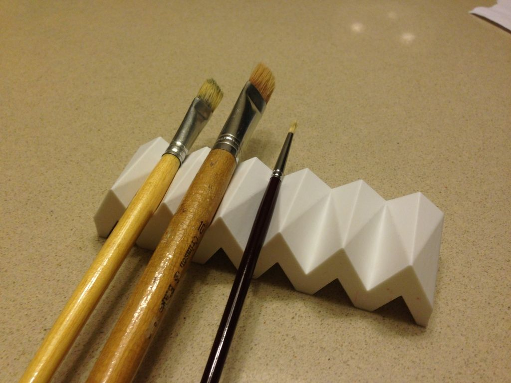 Customizable paintbrush holder by jweob 3d printing diy