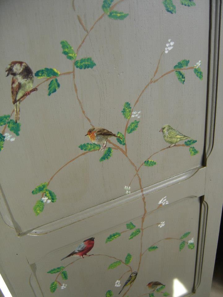 Peinture sur meuble peinture couleurs pinterest - Peinture sur meuble ancien ...