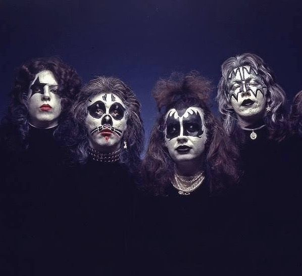 Something kiss midget cover band not