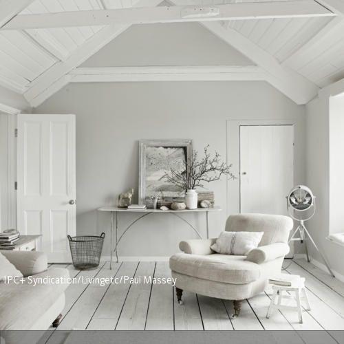 Dachgeschoss in Weiß | Holzdielen, Dachgeschosse und Zusätzlich