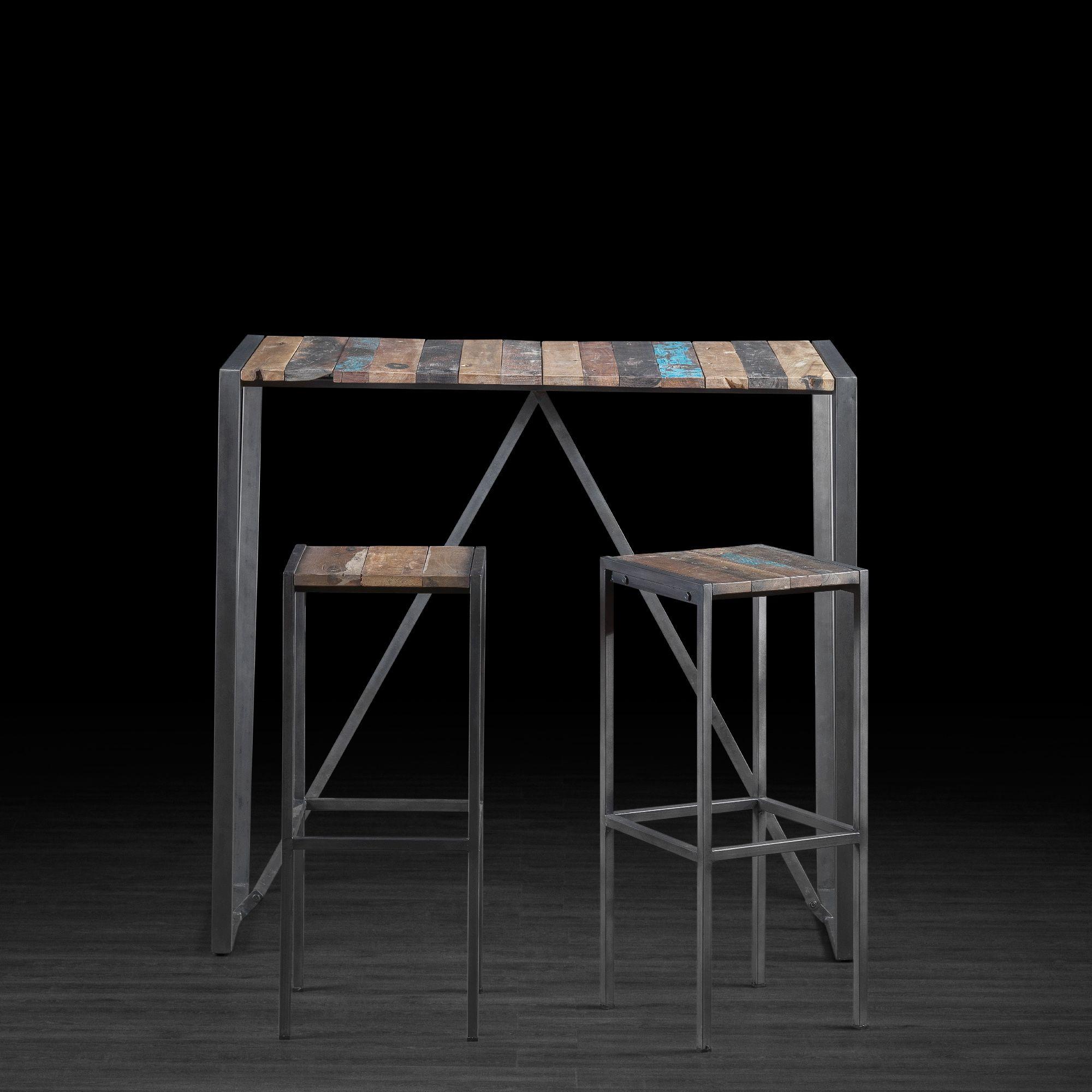Table de bar en bois recyclé de vieux bateau avec pattes en métal
