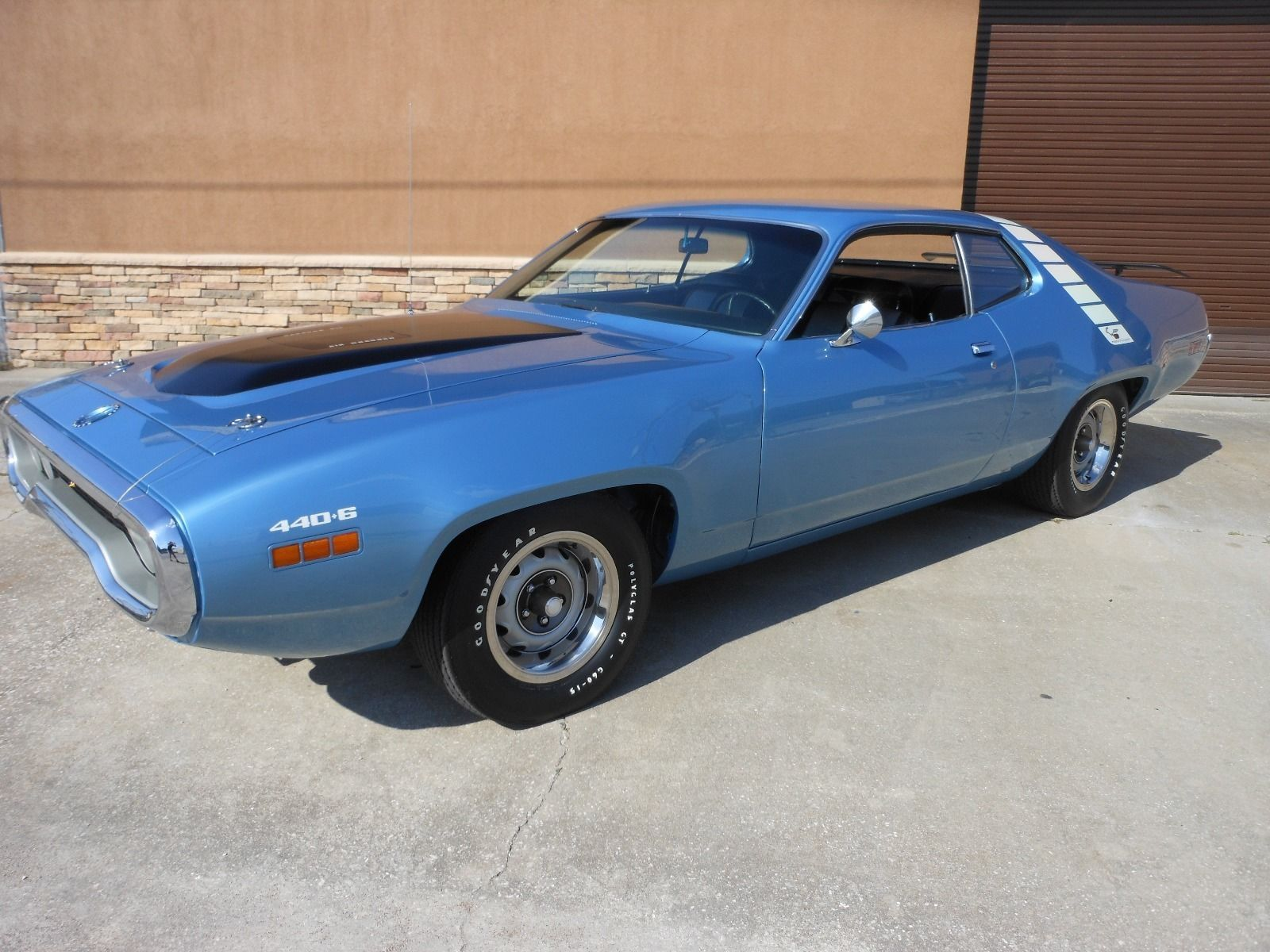 1971 plymouth road runner in gb2 glacial blue manual transmission road runner  [ 1600 x 1200 Pixel ]