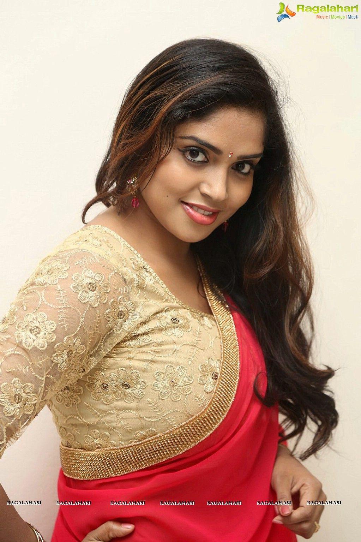 Santabanta Forums Indian Actress Images Desi Beauty Saree