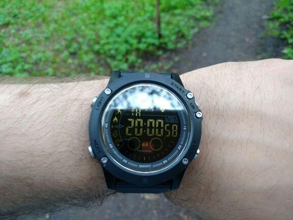 ea5b64d696a1 El reloj táctico militar TAC25 finalmente disponible en España ...