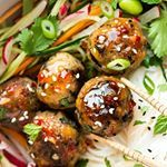 While I'm off to take a nap in my hammock before ⛈️ hits, I will leave you with a plate of #lemongrass #neatballs 2 WAYS that can be either baked or fried 😎 (#recipe link in bio 👈). They are delicious on a bed of noodles or rice and salad or as finger food, dipped into a sweet chilli sauce 😋 #vegan and both versions are #glutenfree too!! Enjoy 😘 #whatfatveganseat #whatveganseat #feedfeed @thefeedfeed.vegan #bestofvegan #foodblogfeed @foodblogfeed #veganfoodshare #veganfood #veganmeatballs...