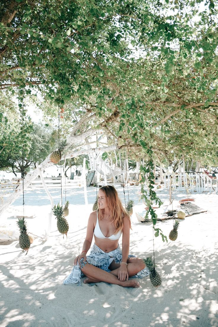 The Gili Islands are a tropical island paradise in Indonesia. Here are 11 reasons why you must visit them!