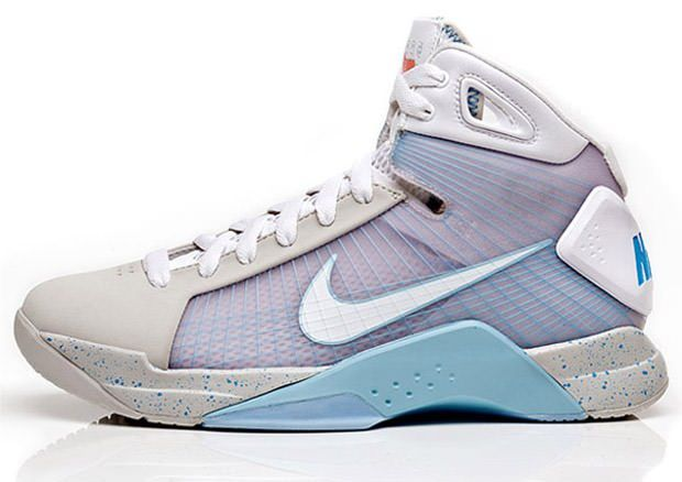 The History of the Nike Hyperdunk Series  4351428f88b7