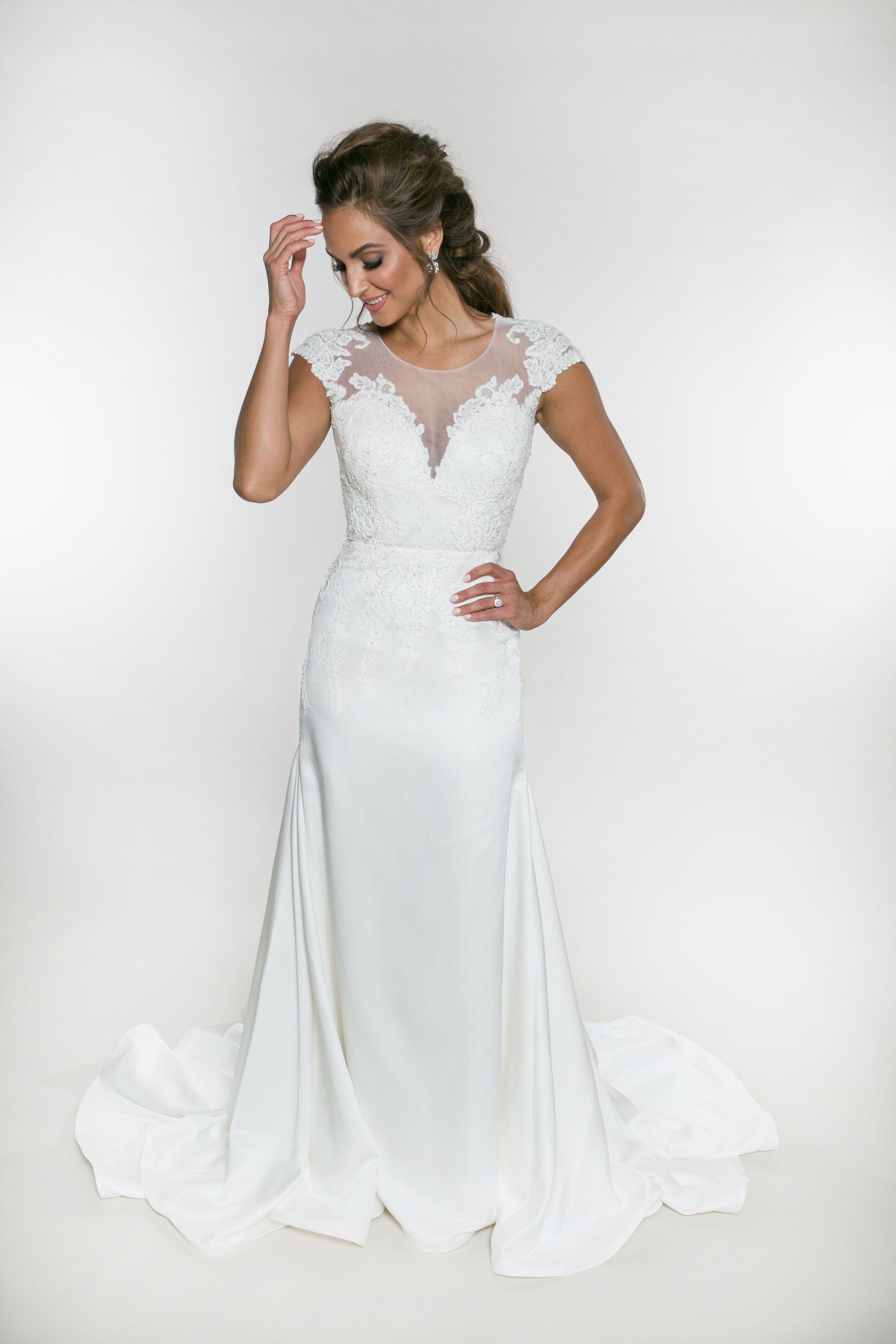 Regina Hall Heidi Elnora Atelier Lace Bodice Wedding Dress Wedding Dress Couture Illusion Wedding Dress