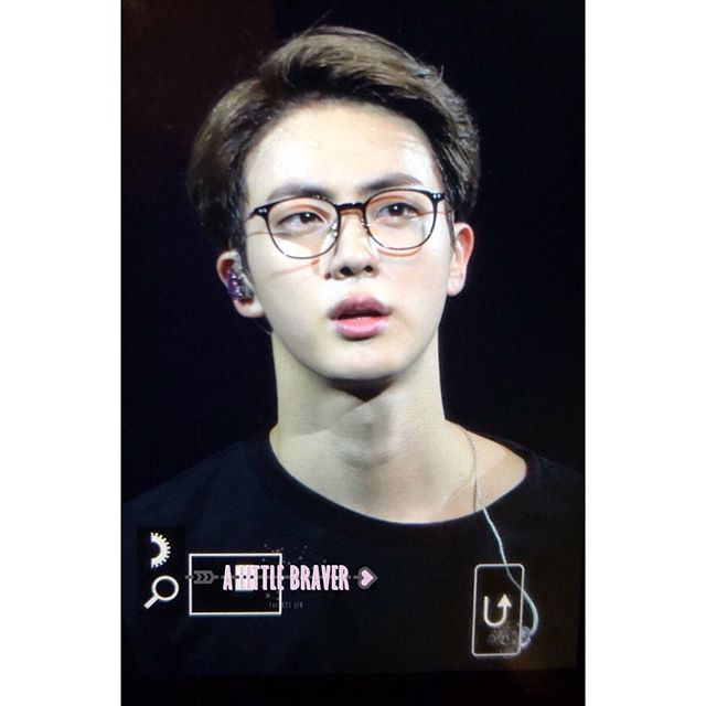 Giving The People What They Need Jin In Glasses This Fine Specimen Actually Is On Another Level When He Wears Glasses Like Fr Seokjin Seokjin Bts Kim Seokjin