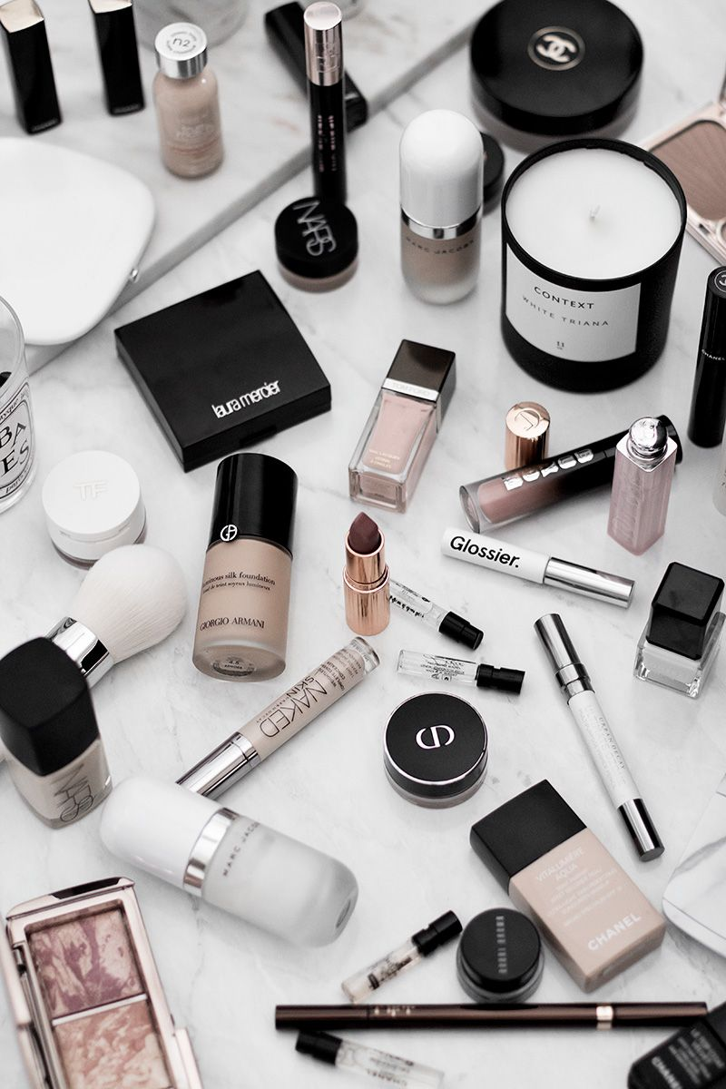 At the beginning of this year, I got rid of a huge portion of my beauty collection. Like, really huge. I talk about practicing mindfulness all the time and at the beginning of this year, I've decided to start practicing…