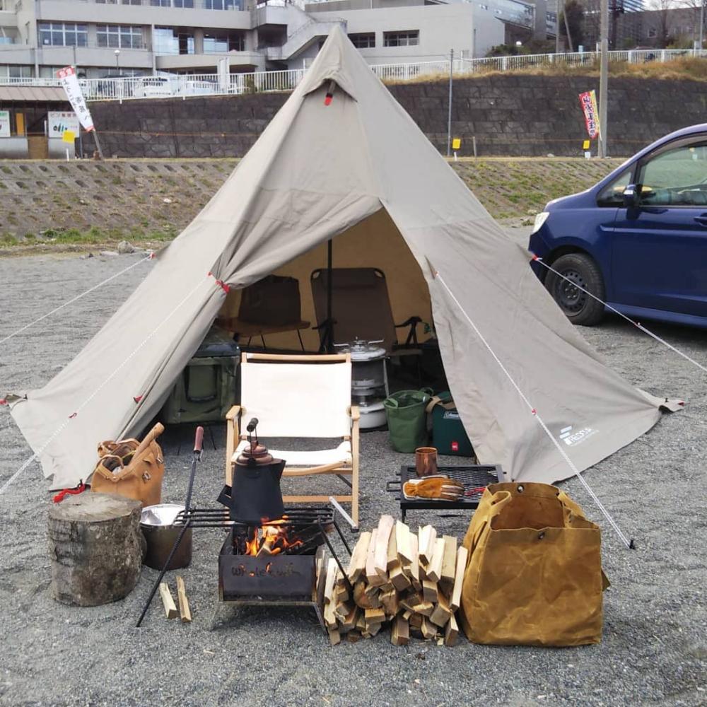 ボード テント Tent のピン