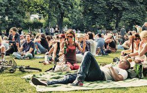 Summersounds DJ-Picknicks. Alle Infos zu Locations, Line -Up usw. auf: http://www.coolibri.de/redaktion/musik/0614/summersounds-dj-picknicks-parklife.html