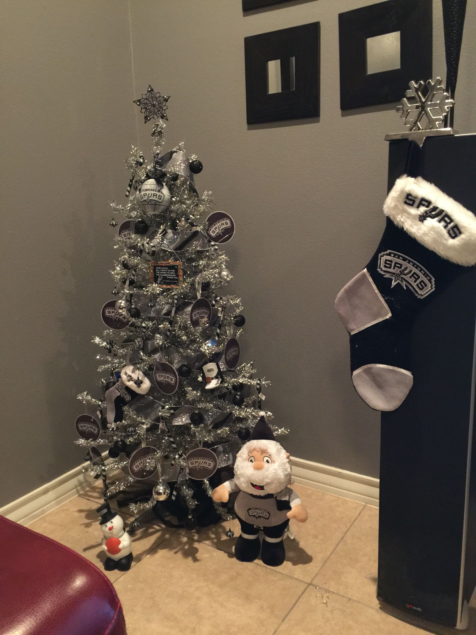 Spurs Christmas Tree  Spurs fans, Spurs, Christmas tree