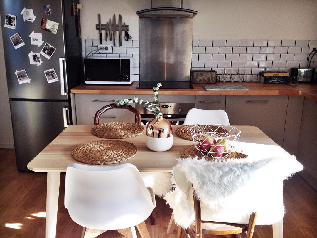 L I S A On Instagram Cuisine Enfin Terminee Le Bon Plan Du Jour Le Vase En Cuivre Trouve Chez Leclerc Diy Home Swe Cuisine Bons Plans Deco