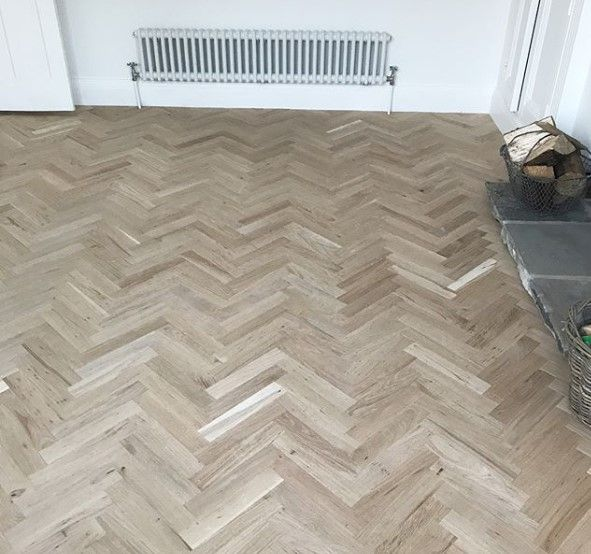 This Unfinished Parquet Looks Amazing Robust 10 Mm Thickness Authentic Wood Knots And Grains Rustic Grade Year Warranty Is