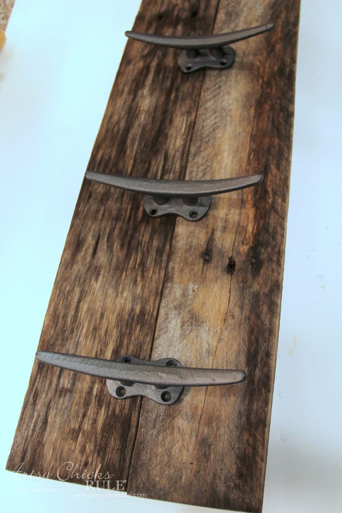 Easy Diy Nautical Pallet Wood Coat Rack Simple Project Wood Pallets Pallet Diy Nautical Diy