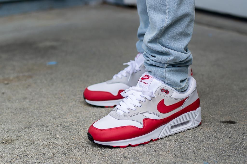 29cc9e5ab0370 See how the Nike Air Max 90 1 University Red look on feet in this video  review. Find out where you can buy these Nike Air Max 90 1s online!
