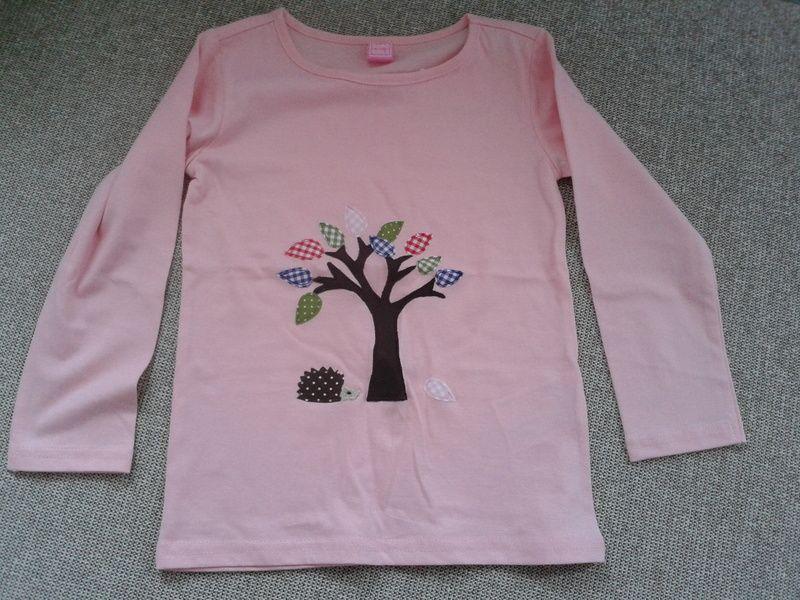 """Langarmshirts - Langarmshirt """" Baum mit Blätter"""" Igel - ein Designerstück von Das-Schmuckkaestchen bei DaWanda"""